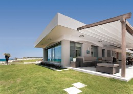 All Seasons Retractable Roof system with timber frame from Ozsun, Sydney's Northern Beaches