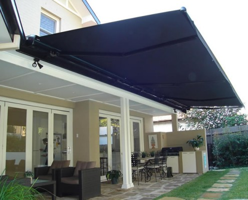 Extend Your Outdoor Entertainment Area With An Awning - Ozsun Shade Systems