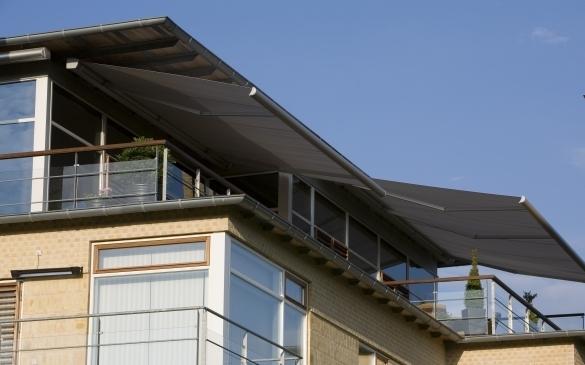 Millennium folding arm awning, - Ozsun Shade Systems